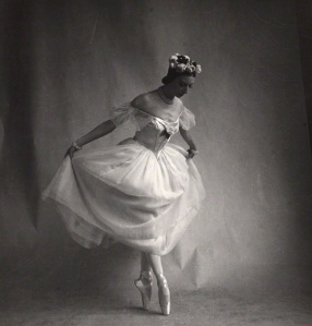 Markova en pointe, photo by  her friend Cecil Beaton
