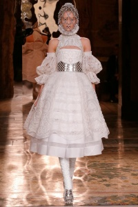 Ballet-inspired fashion Alexander McQueen Fall 2013