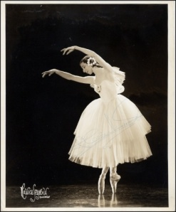 Markova as the otherworldly spirit of Giselle (1939)