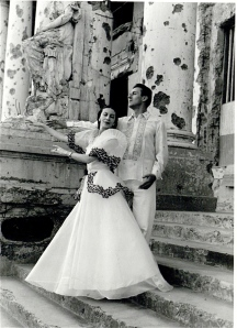 Markova and partner Anton Dolin pose in war-torn Manila, 1948