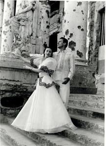 Markova and partner Anton Dolin pose in war-torn Manila, 1948