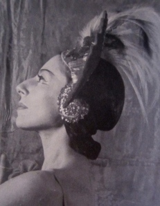 In 1945, Markova starred in The Firebird at Ballet Theatre, with music by Stravinsky,