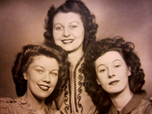 Contractual obligations necessitated Markova's dancing in the US during WWII, though she wished to stay at home with her family. (From left to right, her sisters Vivienne, Doris, and Bunny.)